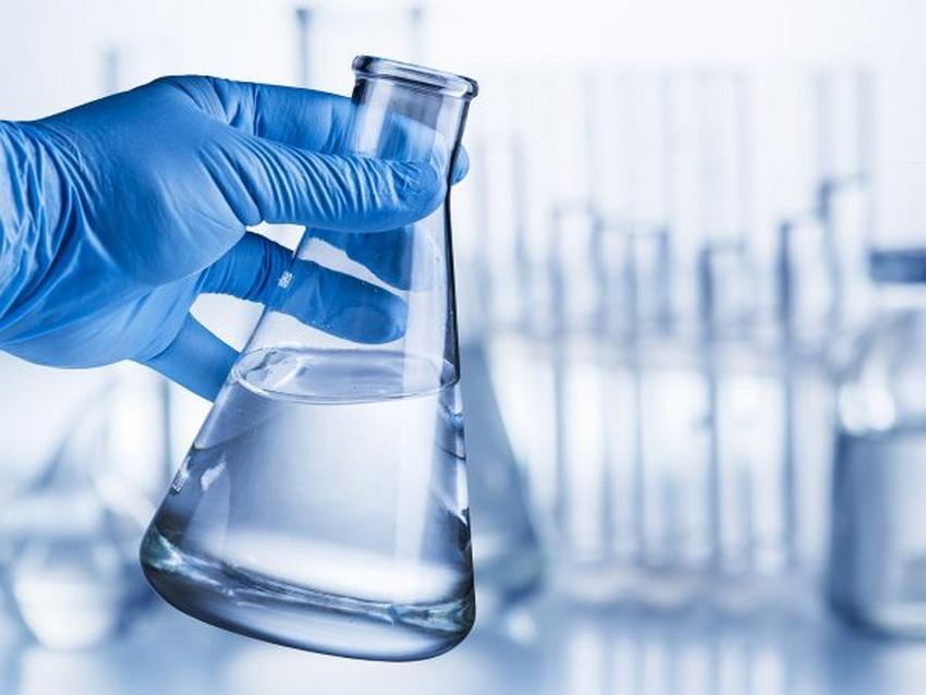 С помощью постепенного добавления кислоты довести воды до 2.8-3.2 рН