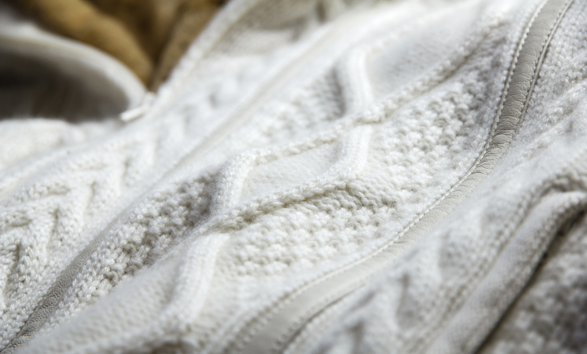 Light garments realized in Cashmere and precious yarns