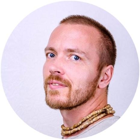 Максим Пушкарев, студия йоги VEDALIFE