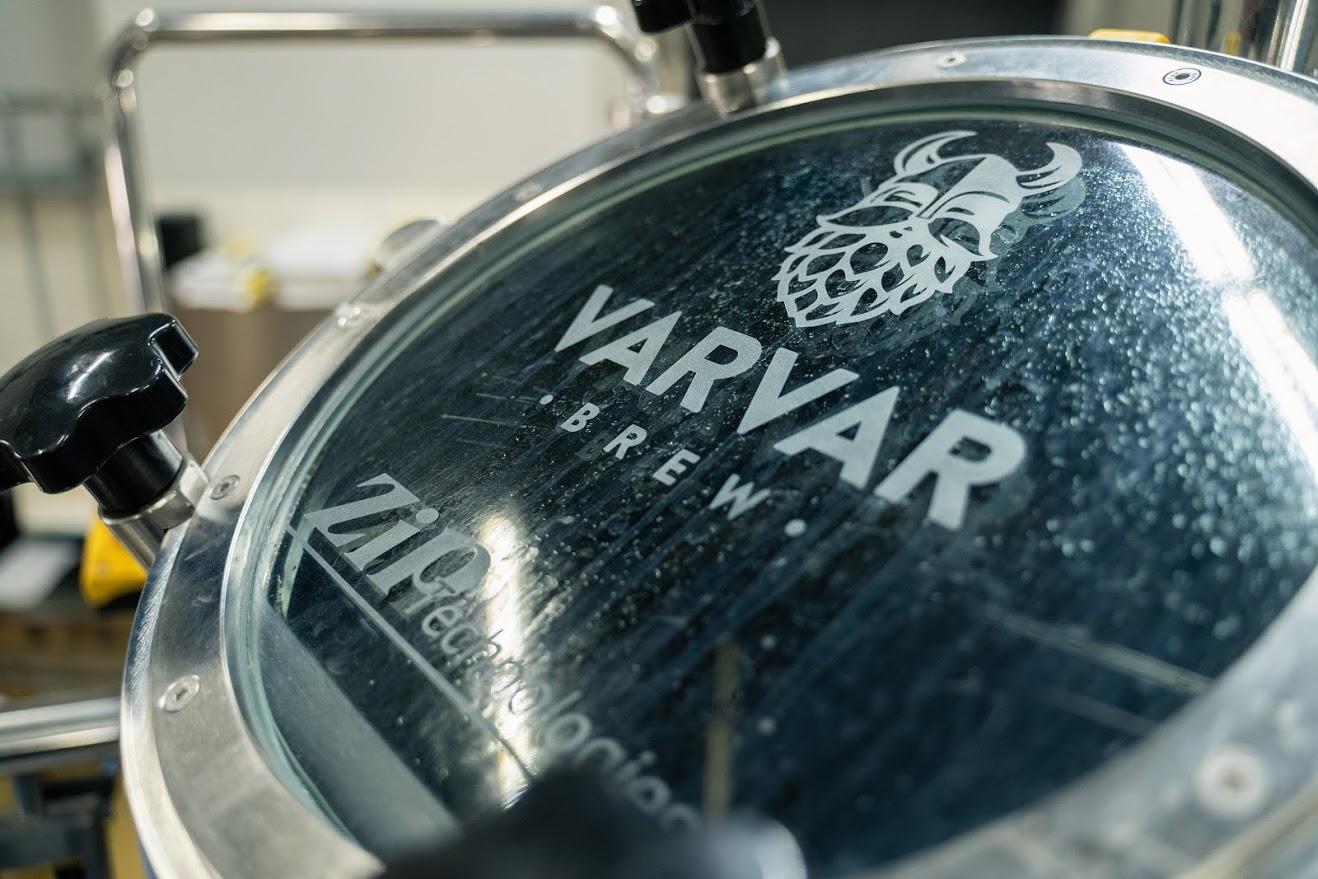Варка пива на пивоварне Varvar в Киеве
