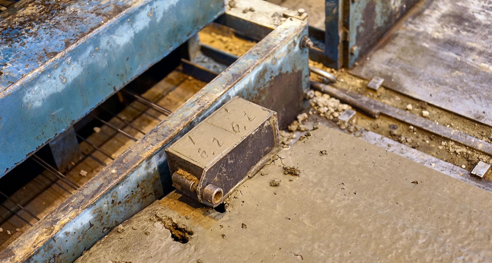 Форма для арматуры и бетонной смеси бетонная смесь 928
