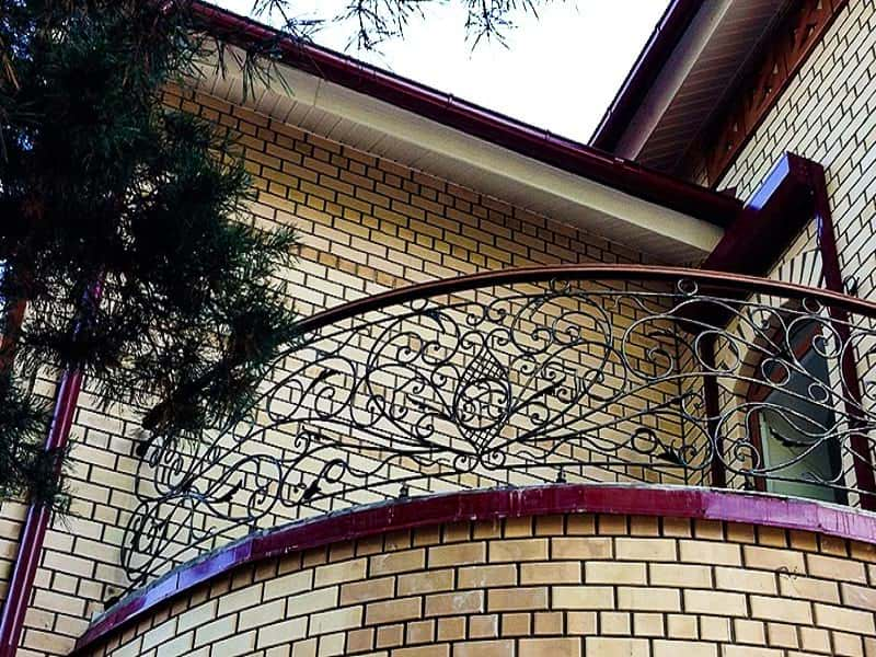 Перила для закругленного балкона