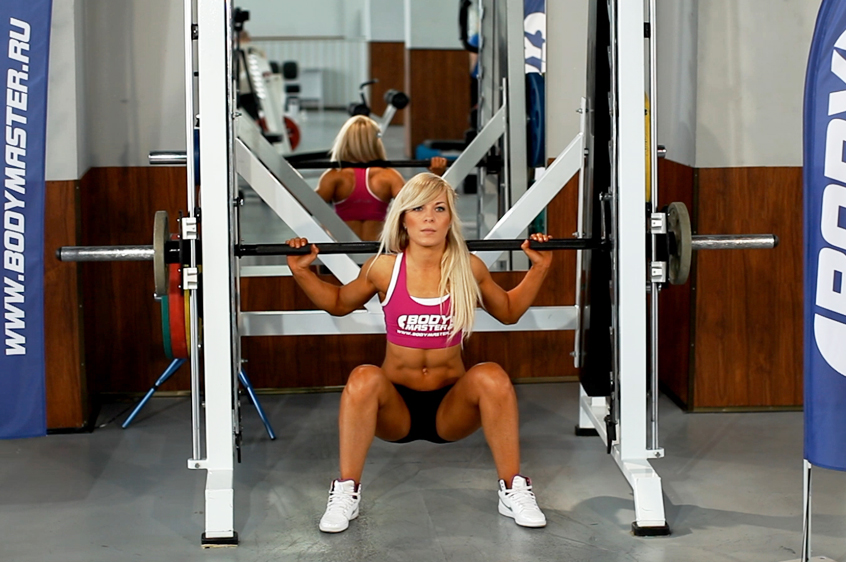 Видео тренер по фитнесу стал лапать девушку фото 137-731