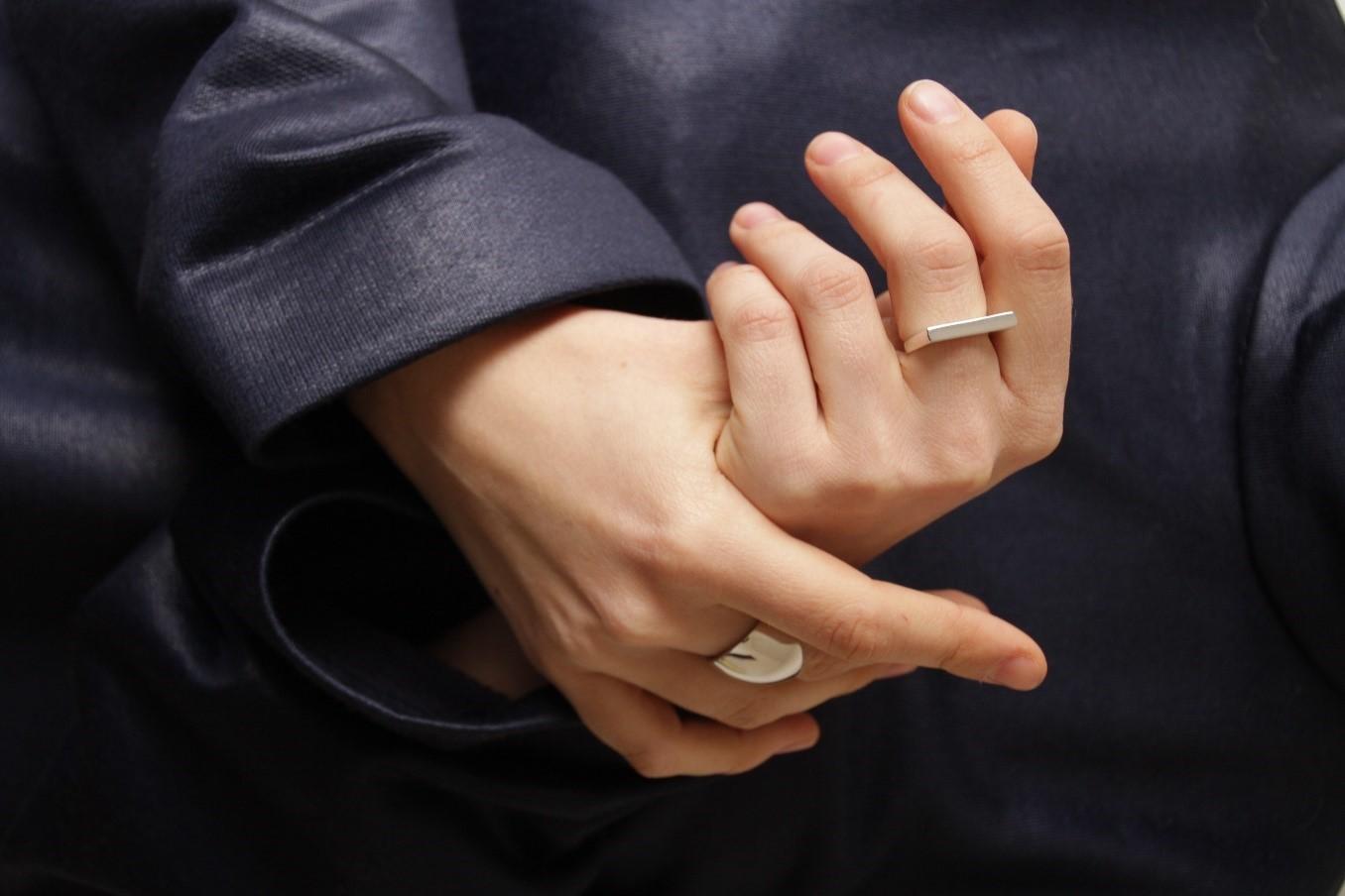 кольца на руках мужчин фото строительства стен бани