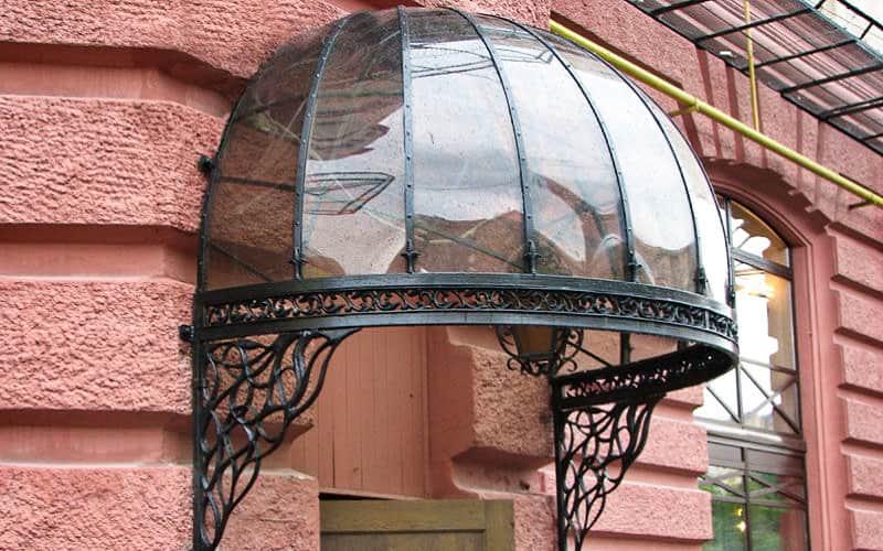 Навес над крыльцом в виде купола