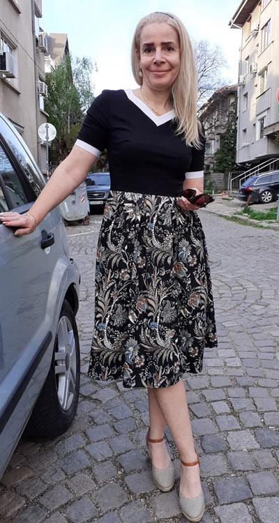 Модерна ежедневна рокля от Ефреа България.