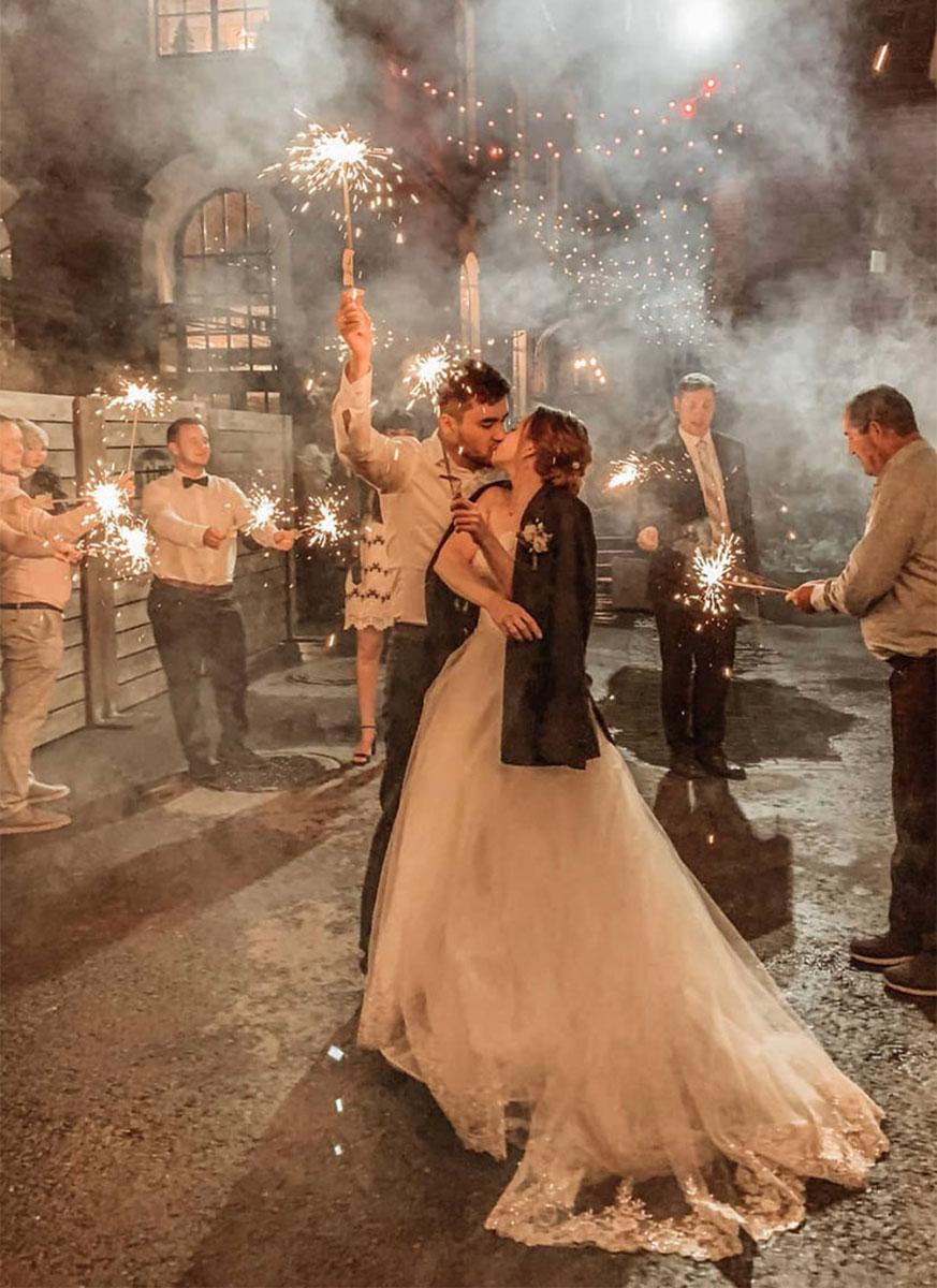 Стойкий свадебный пучок для невесты Анны