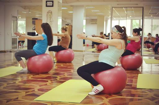 Йога для беременных правый берег