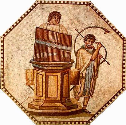Римские музыканты играют нагидравлосе и G-образном роге (II в. н.э.).