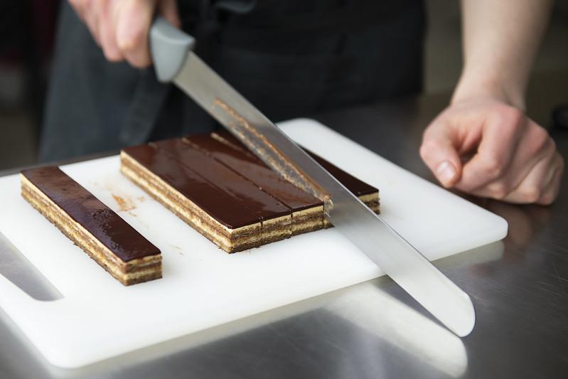нарезание торта