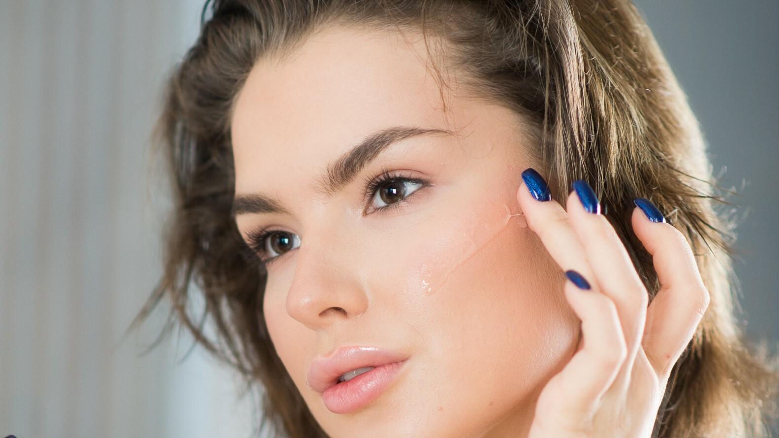 Снятие макияжа с глаз гидрофильным маслом - как правильно