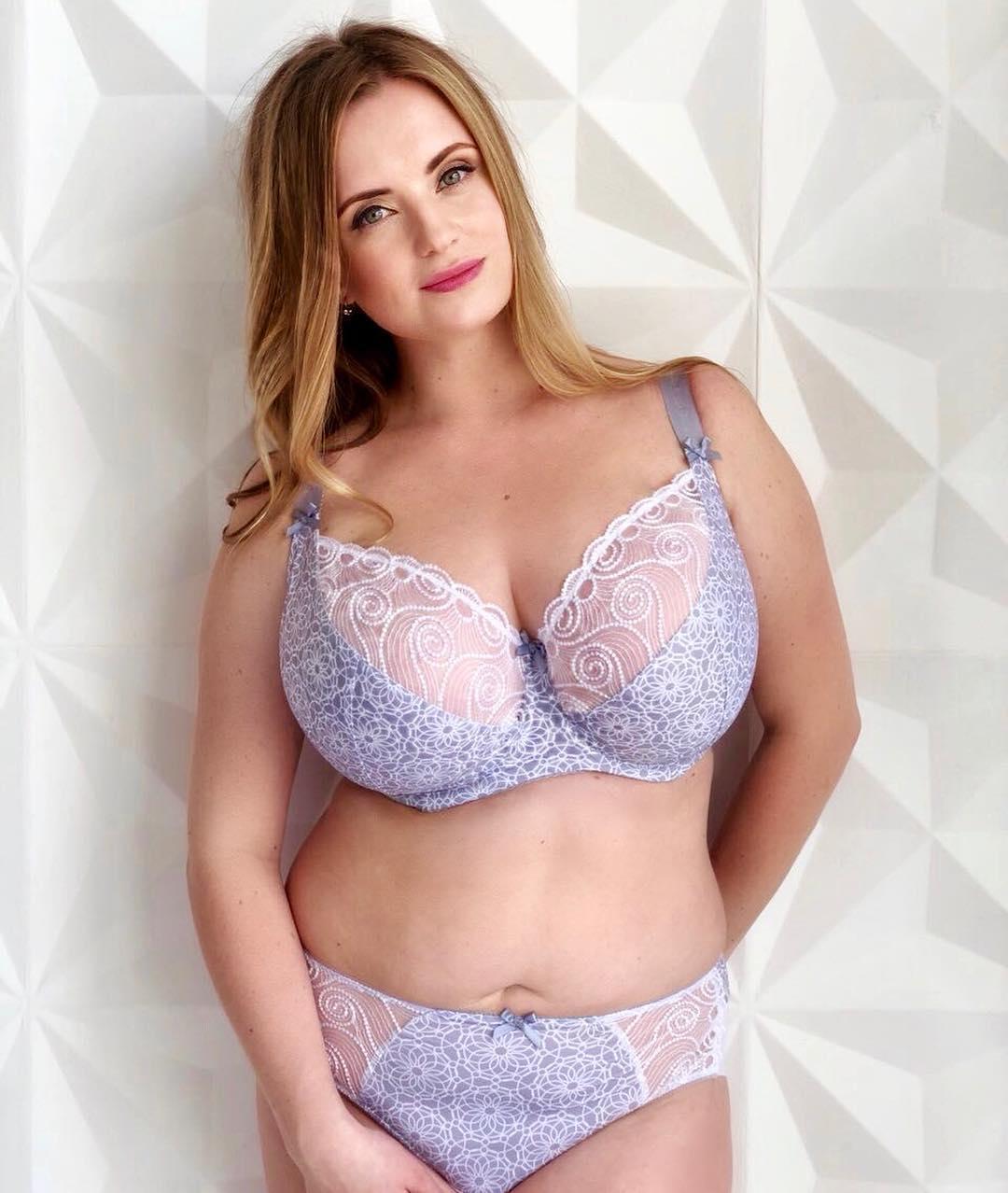 Женское белье больших размеров казань большие сиськи в кружевном белье
