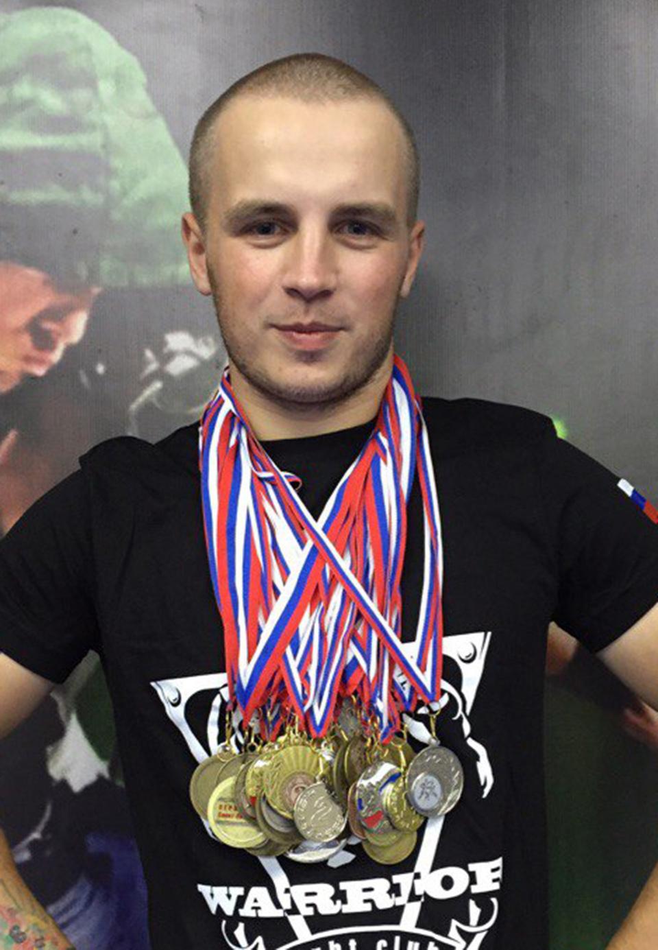 Денис Петров, 25 лет