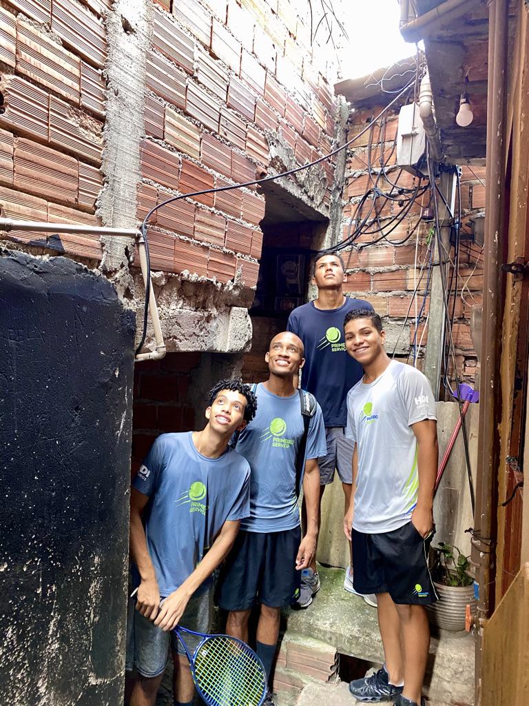 Da esquerda para direita Renan, Salomão, Fabrício e Ytalo na Paraisópolis.