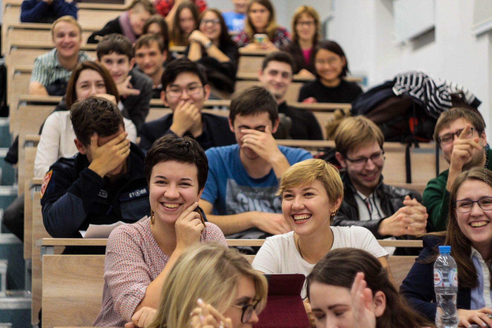 studenti-posle-par-foto-bolshih-sisek-v-porno