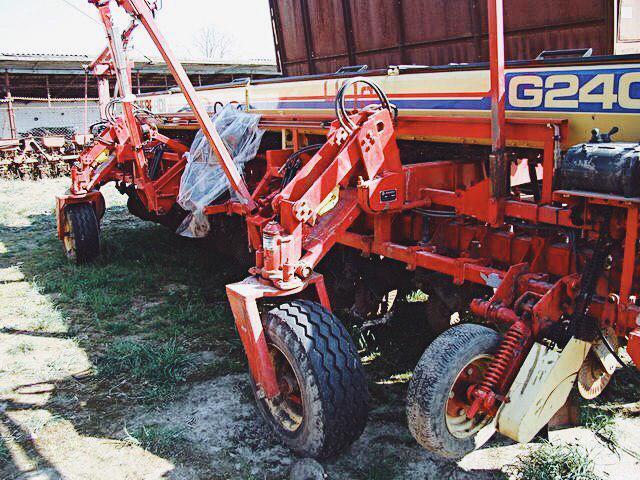 семена зерновых культур высевают сеялками