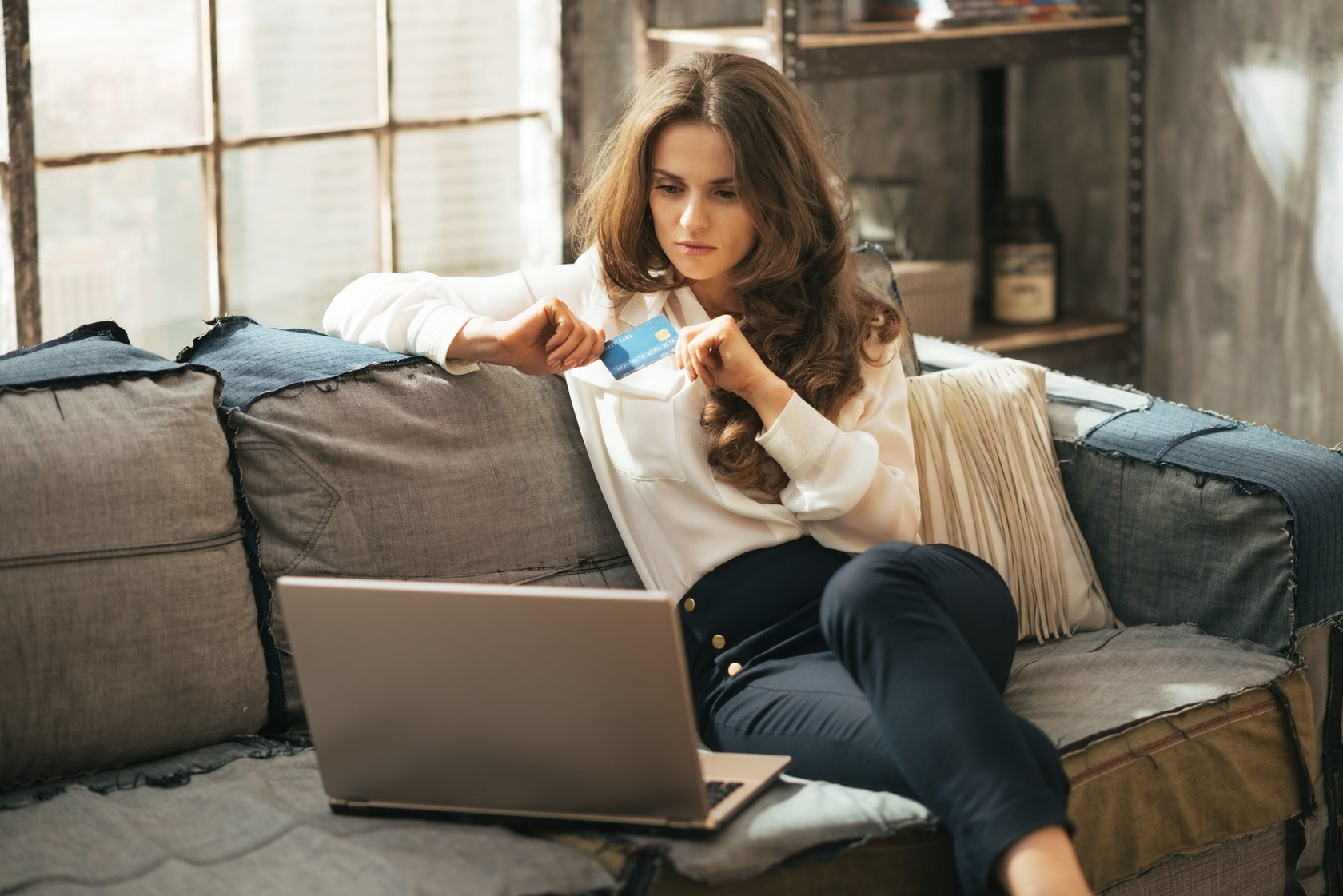 фото деловая женщина в домашней обстановке - 13