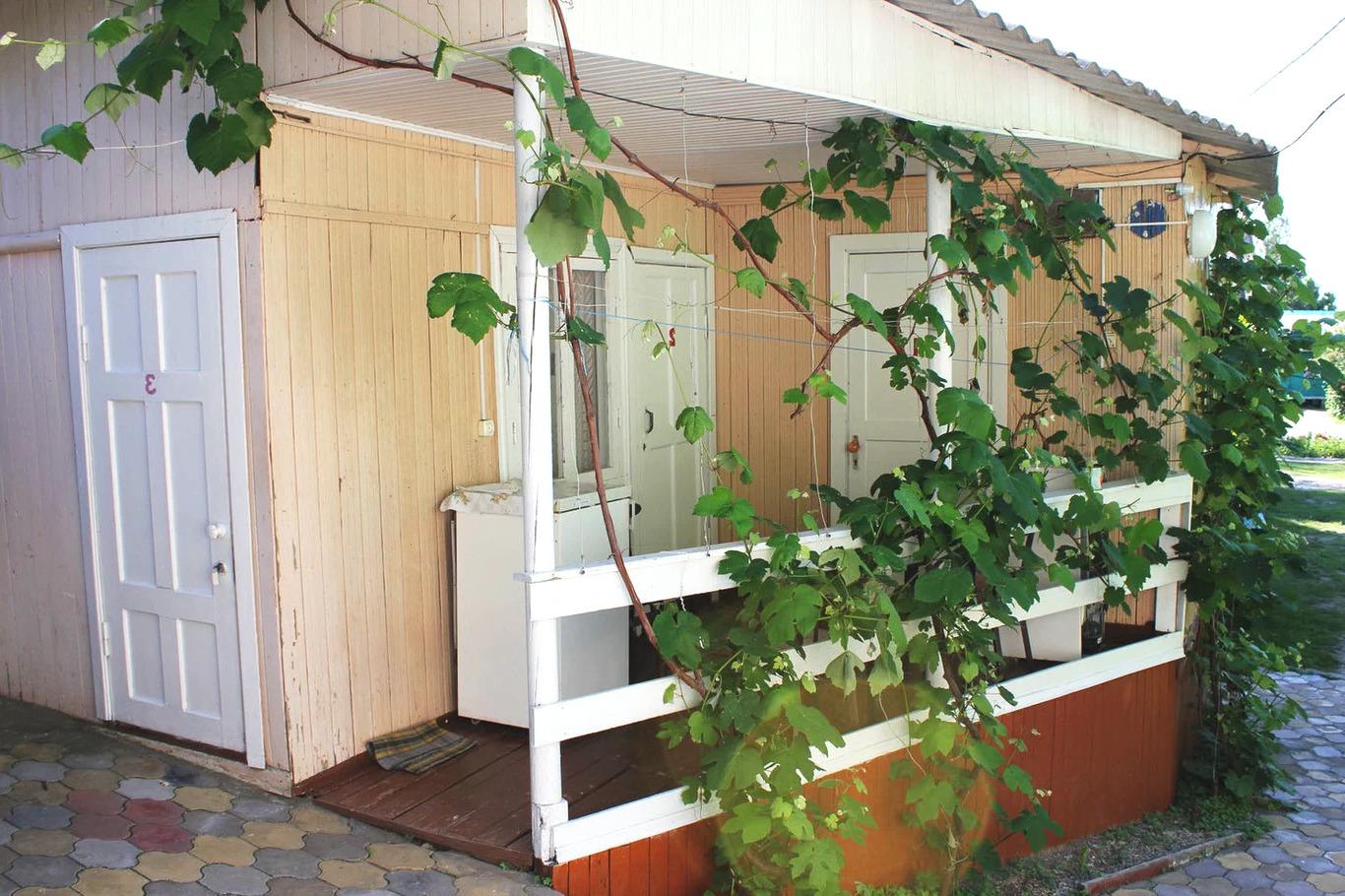 Домики в кемпинге Кубанец, Лермонтово
