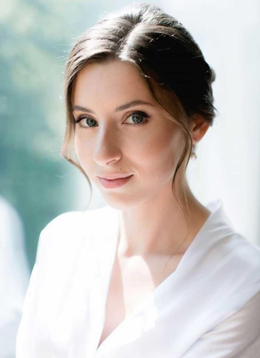 Нежный свадебный макияж для шатенок для невесты Алины