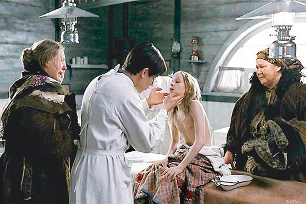 Кадр из фильма «Морфий» (2008)