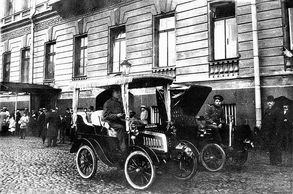 Первый петербургский таксомотор