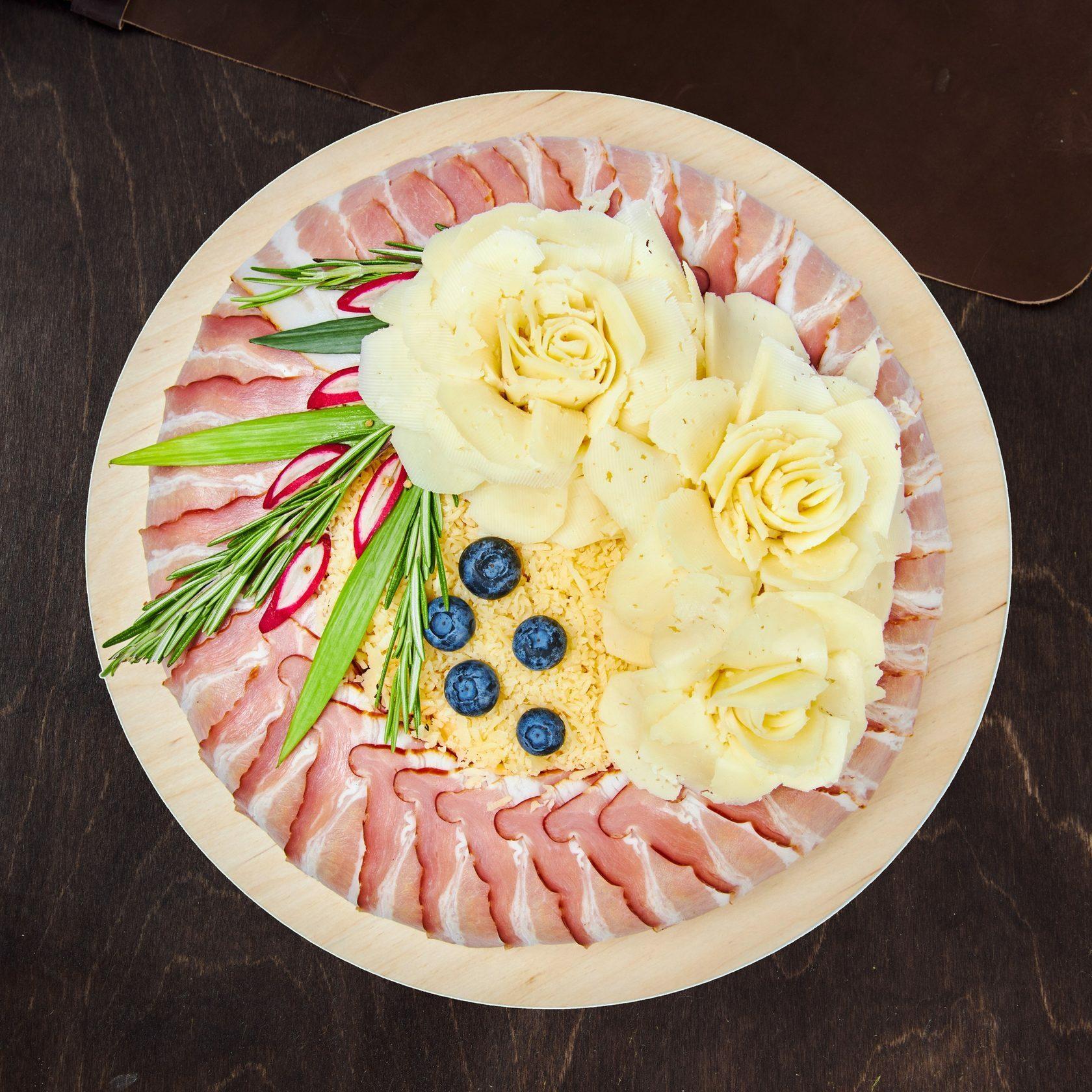 круглый торт, квадратный торт, торт в форме сердца