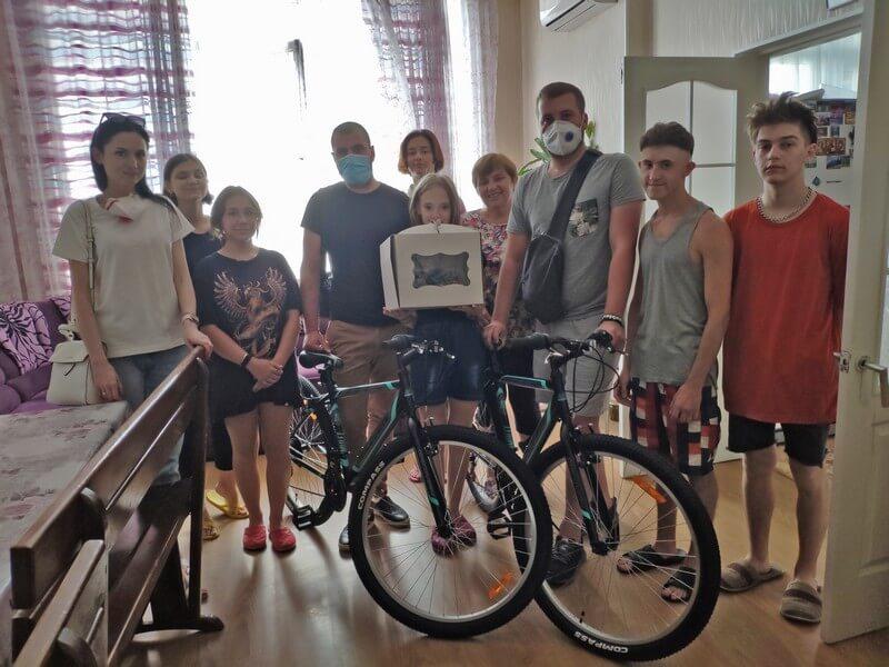 партия шария подарила велосипеды детскому дому хуторных - фото
