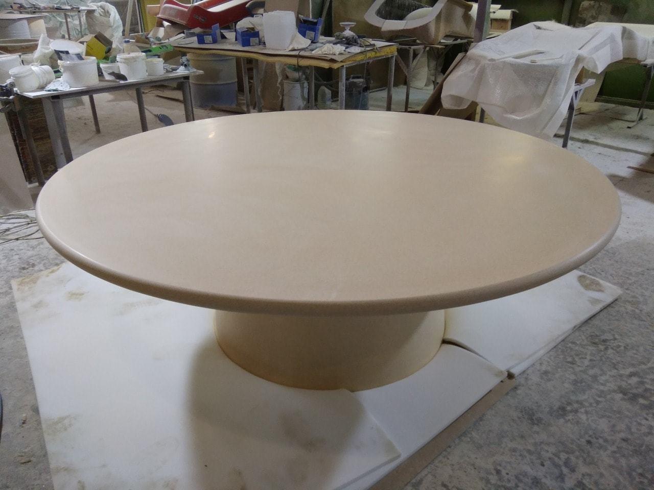 Стол из стеклопластика в ресторан по эскизам дизайнера
