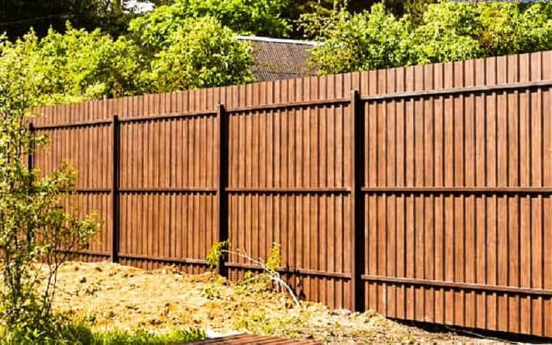 Забор из профнастила цвет дерево