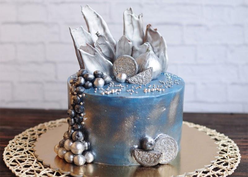 Торт, покрытый кандурином