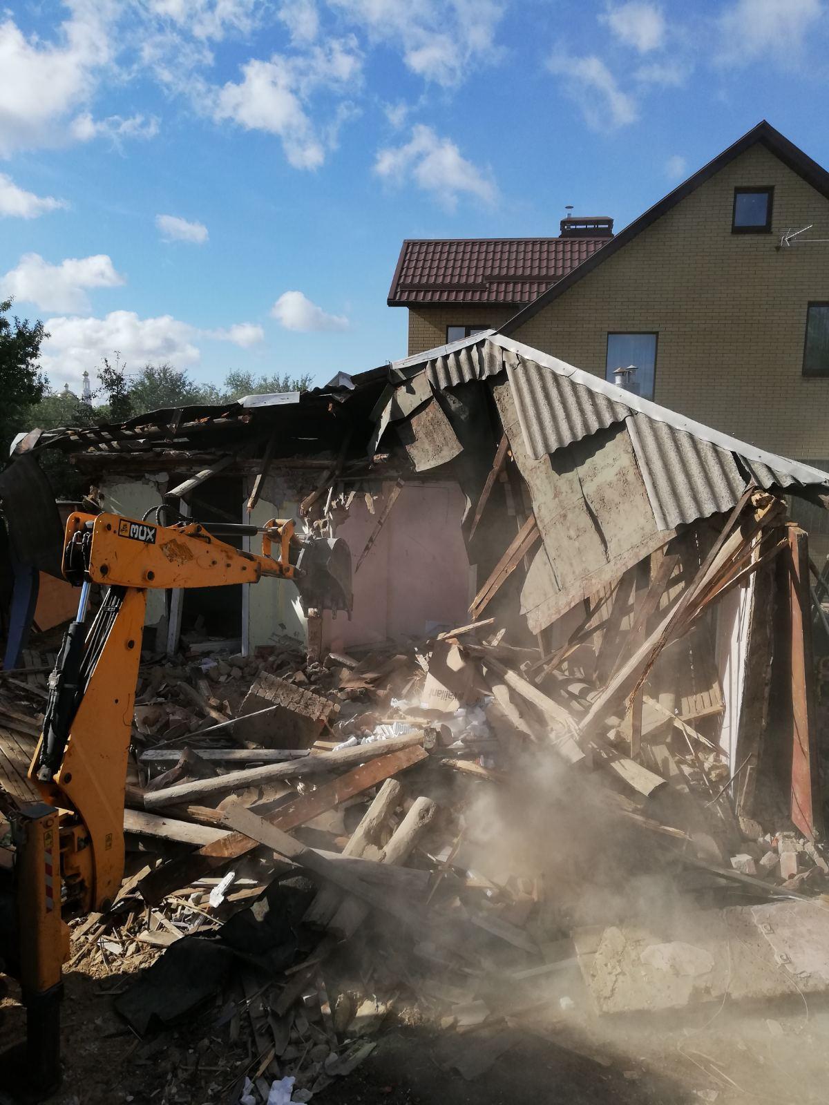Какие трудности подстерегают при сносе старого дома