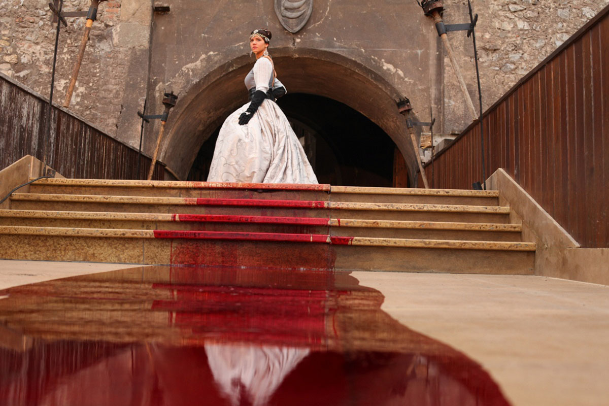 Кадр из фильма «Кровавая леди Батори» (2015)