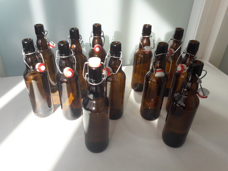 Использование бутылок с бугельной пробкой