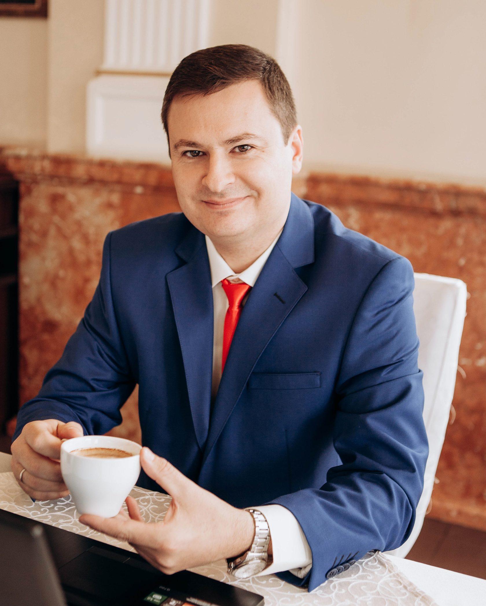 Бобылев Сергей Дмитриевич - лидер в сфере клининга в Симферополе и в Крыму