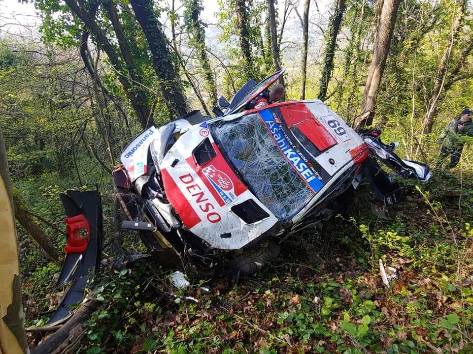 Toyota Yaris WRC Калле Рованперы после аварии на СУ1 ралли Хорватия 2021
