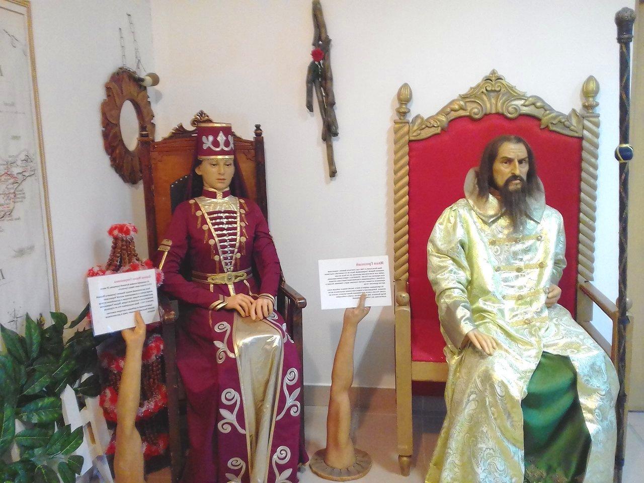 Экспозиция в музее восковых фигур, Лермонтово