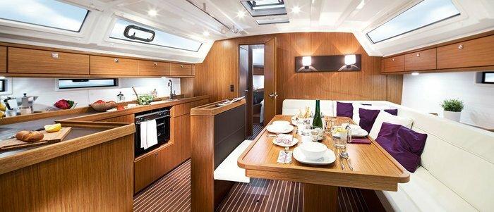 Bavaria Cruiser 46 (2019) Кают Компания