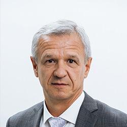 Виктор Дмитриев Генеральный директор Ассоциация Российских фармацевтических производителей (АРФП)