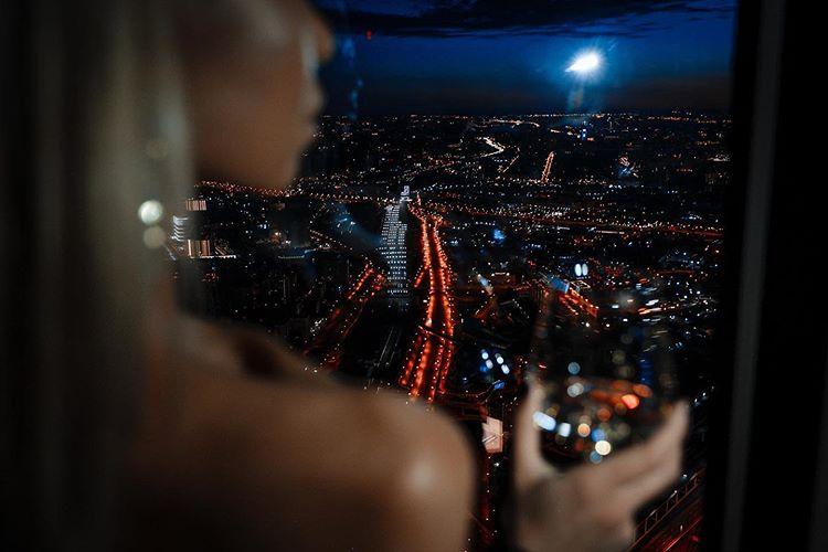Ночной клуб москва сити на 84 этаже клуб трансвеститов в москве