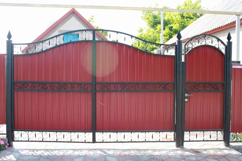ворота с профнастила