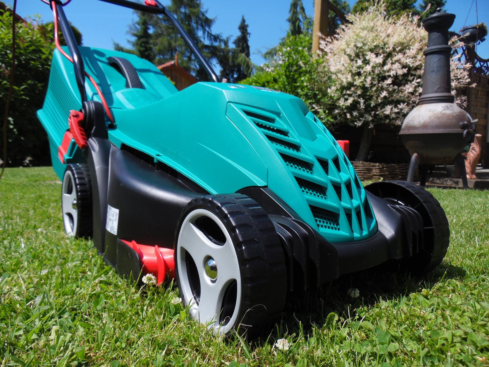 Factors to Consider When Choosing a Lawn Mower