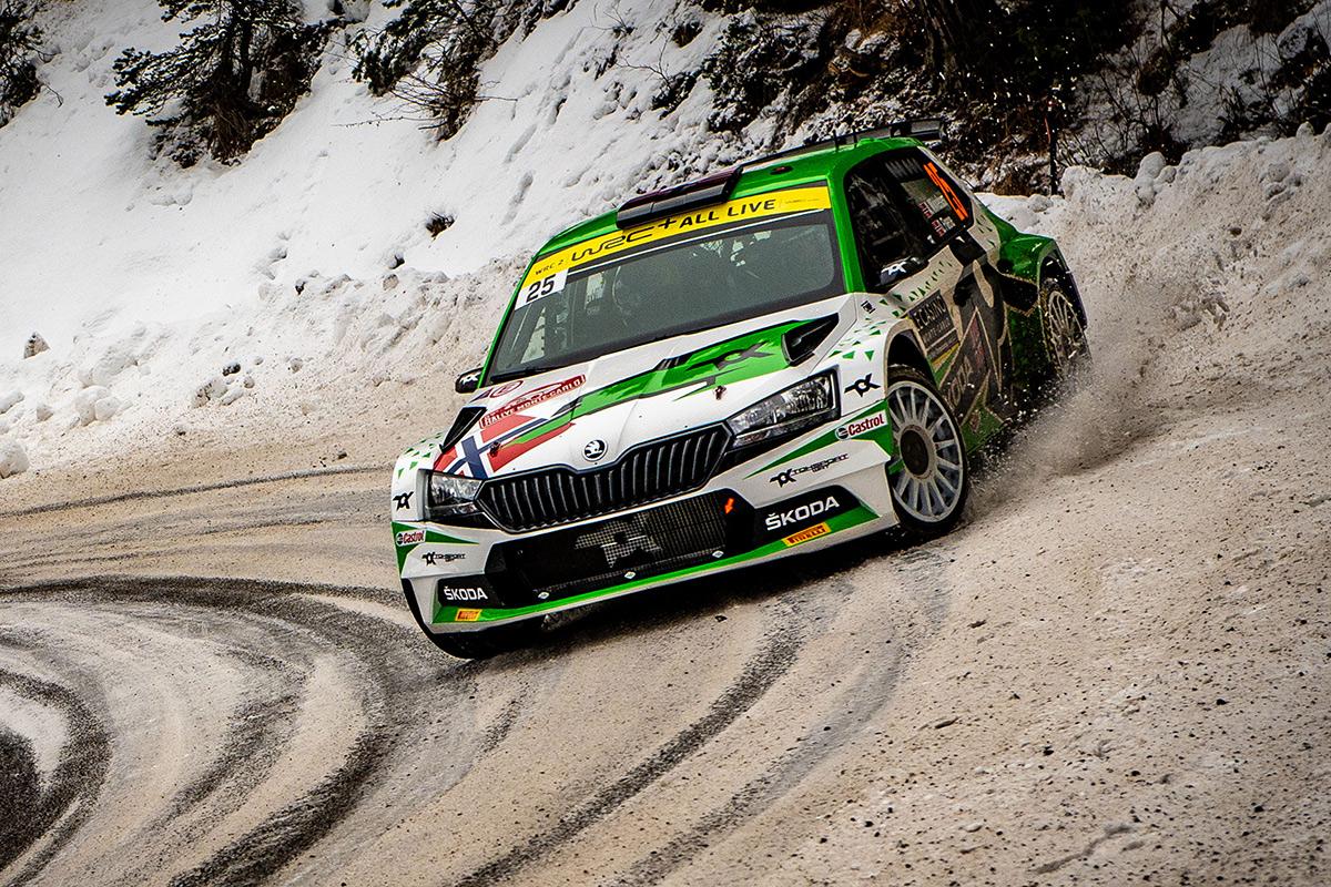 Андреас Миккельсен и Ула Флёне, Skoda Fabia Rally2 evo, ралли Монте-Карло 2021