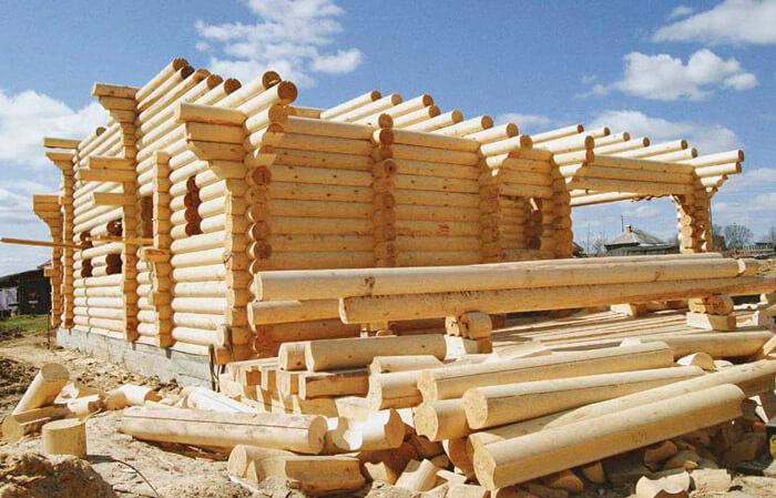 Постройка дома из оцилиндрованного бревна