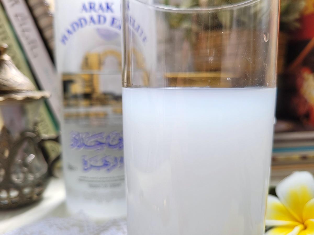 Что такое Арак и почему его называют молоком львицы? Вкусный Израиль.