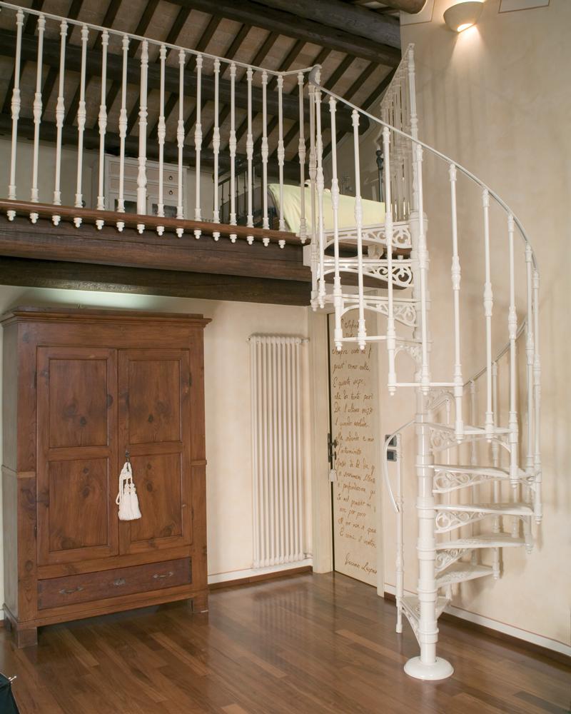 чугунная лестница 120