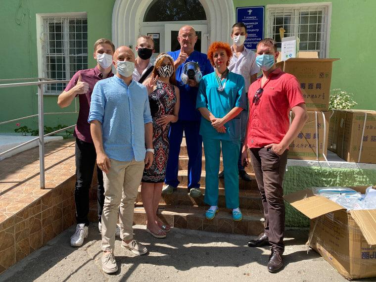 Партия Шария в Николаеве помогла медикам - фото