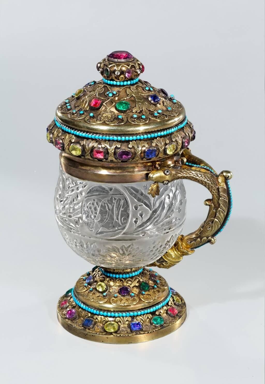 Бокал графа Матвея Александровича Дмитриева-Мамонова из коллекции музея декоративно-прикладного искусства