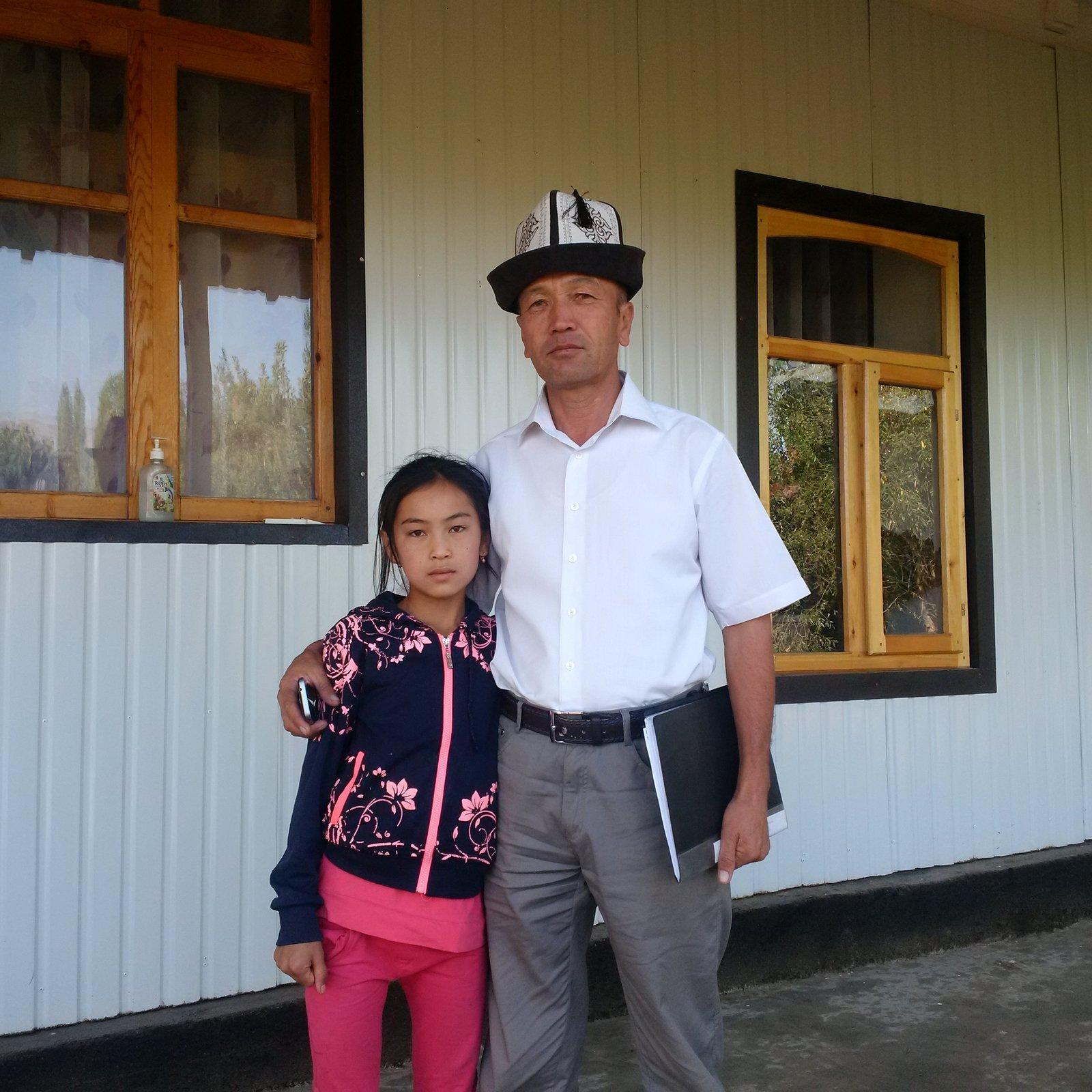 директор школы в Киргизии