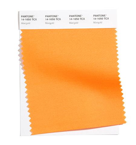 Оранжево с нюанс на невен (Marygold) е сред модерни цветове пролет/лято 2021.