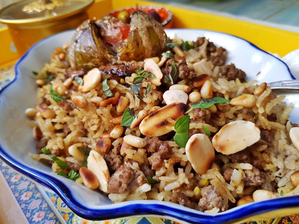 Рис с бараниной, орехами и бахаратом. Вкусный Израиль.